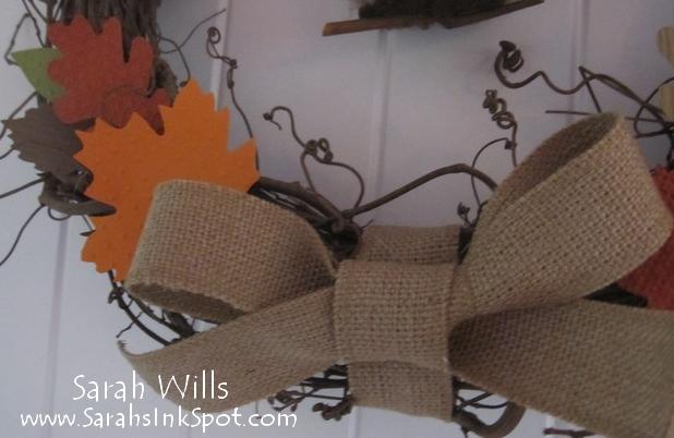 fall-wreath-closeupbow
