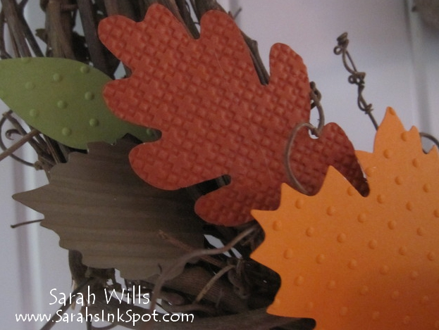 fall-wreath-closeupleaves