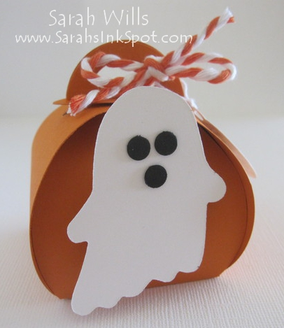 Kid-Halloween-Curvy-Box-Ghost