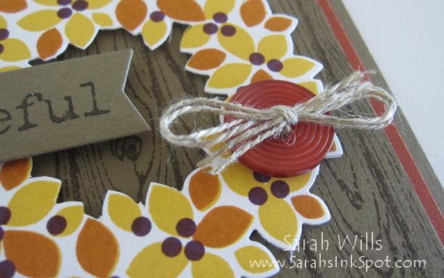 wonderful-wreath-fall-door-closeup