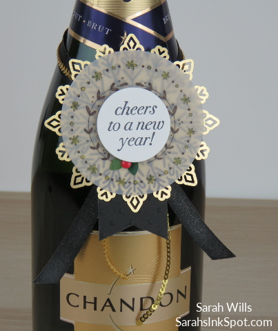 Stampin-Up-Inky-Friends-Blog-Hop-New-Year-Blends-Cheers-to-the-Year-Champagne-Bottle-Topper-Tag-Foil-Snowflake-Idea-Sarah-Wills-Sarahsinkspot-Stampinup-CloseUp