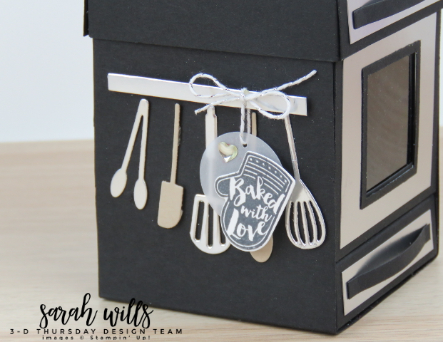 Stampin-Up-3D-Thursday-Apron-of-Love-Bundle-Oven-Stove-Cooker-Treat-Box-Cupcake-Muffin-Cookies-Project-Sheet-Idea-Sarah-Wills-Sarahsinkspot-Stampinup-Utensil-Rack